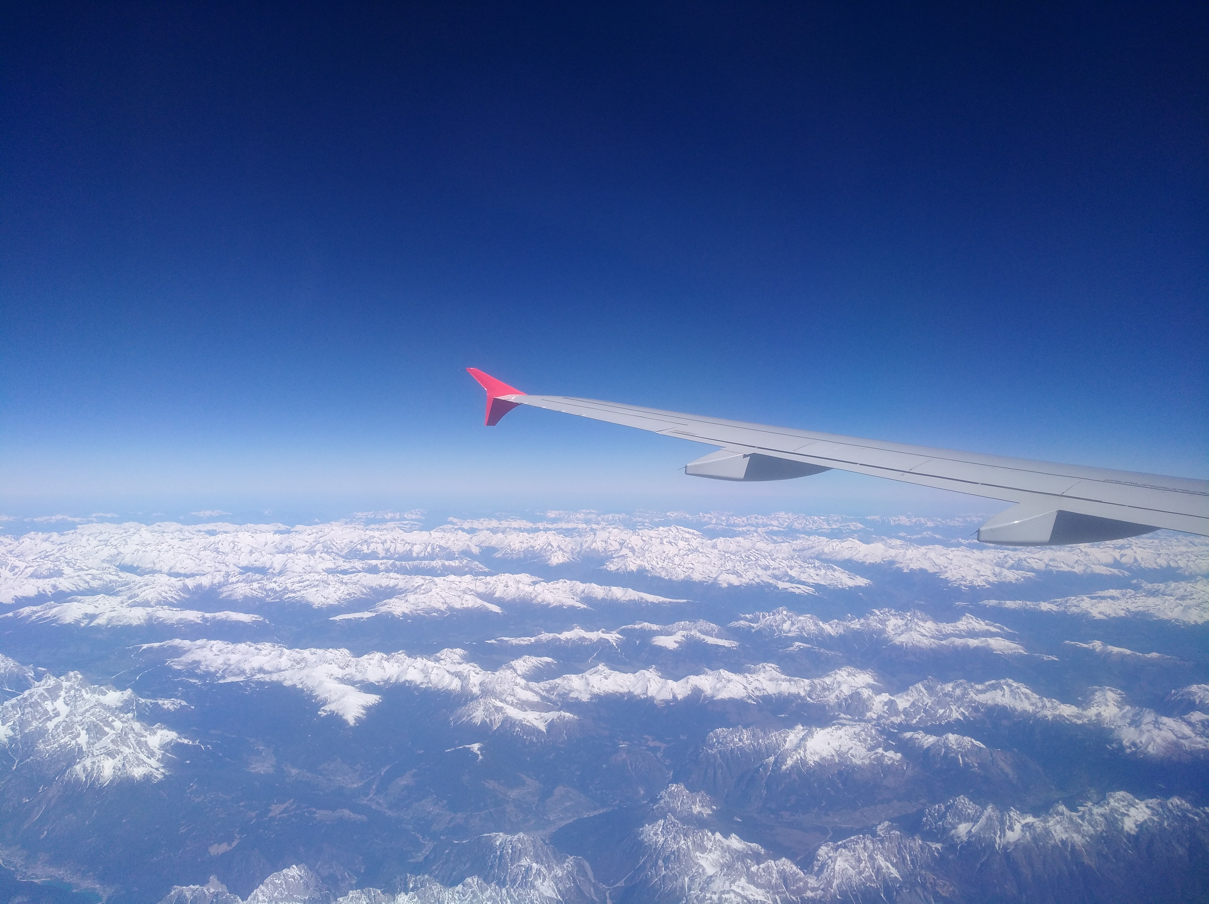 airplane_over_Alps